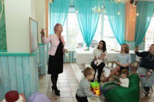 Развиваться и самореализовываться в тандеме с ребенком легко вместе с проектами Эко Инфинити и Бизи Мамс
