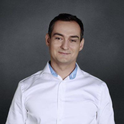 Дамир Каримов.